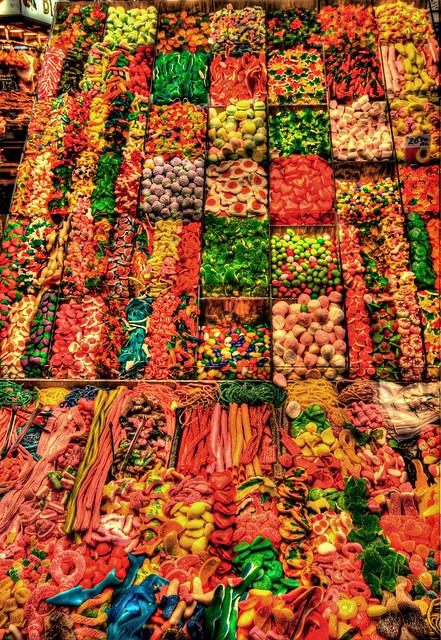 des bonbons colorés et gourmands