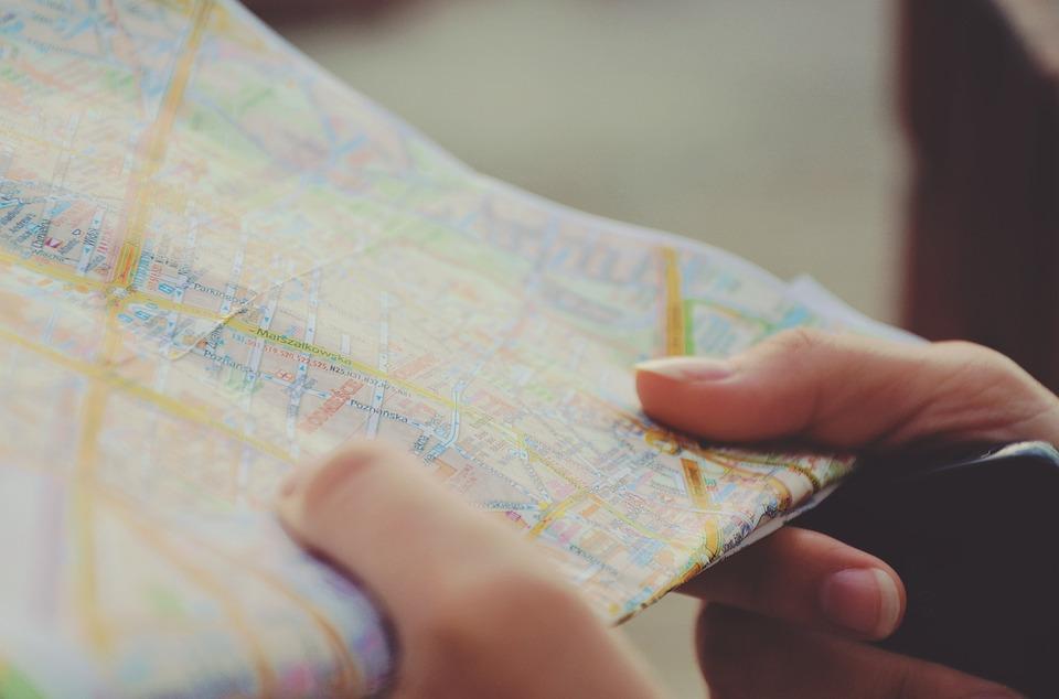 Guidez vous à l'aide d'une carte touristique